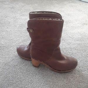 Ugg Lynnea chestnut clog boot size 7
